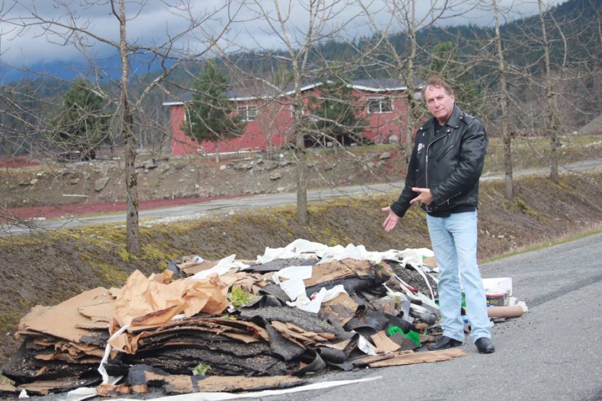 Maple Ridge Dump >> Old Roof Shingles Dumped On Lower Mainland Rural Road