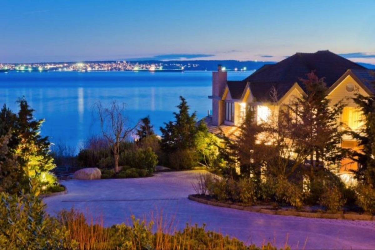 Luxury Buyers In Greater Vancouver Stray From Houses, Aim For Condos: Report