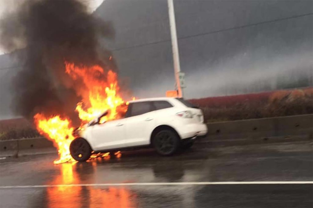 BREAKING: Vehicle fire on Highway 1 between Chilliwack and Abbotsford - Abbotsford News