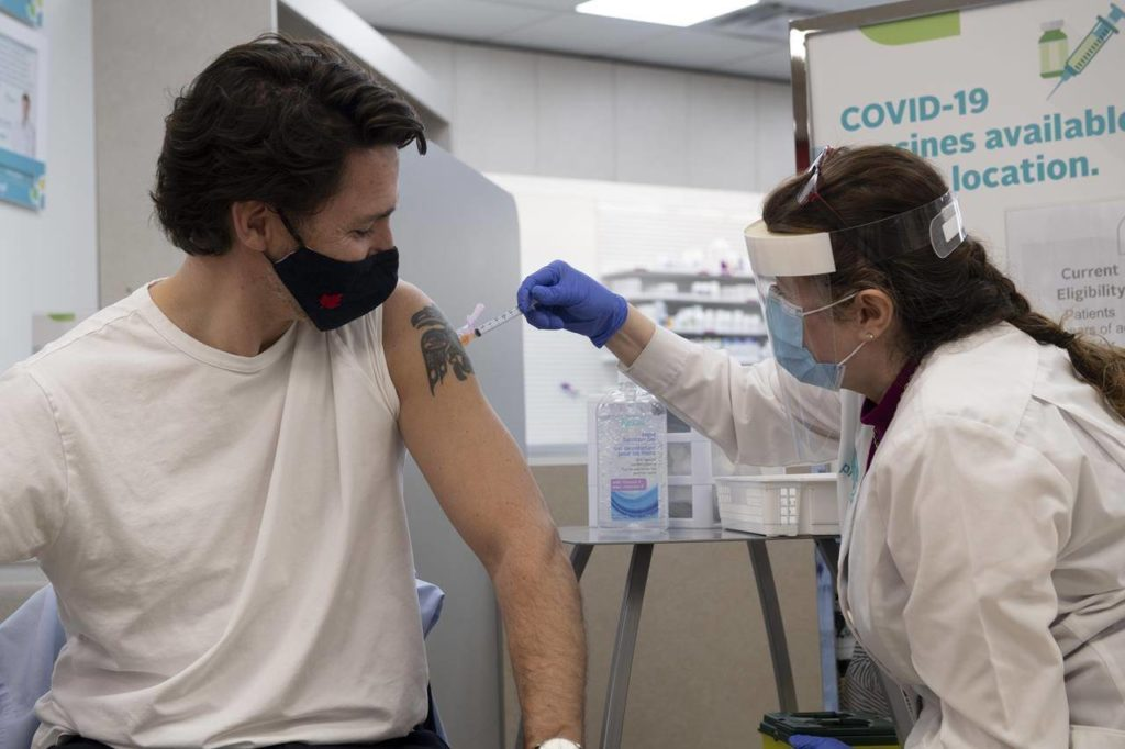 75% of Canadians need 1st vaccine dose to have more normal summer: Trudeau - Abbotsford News