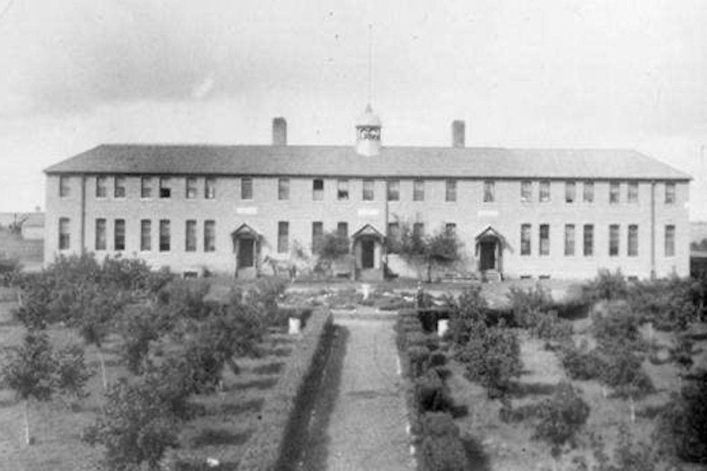 Discovery of 'hundreds of unmarked graves' at former Saskatchwan residential school - Abbotsford News